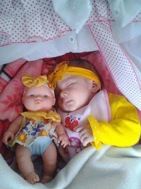 Le Top 20 des enfants parfaits sosies de leur poupée (ou presque)