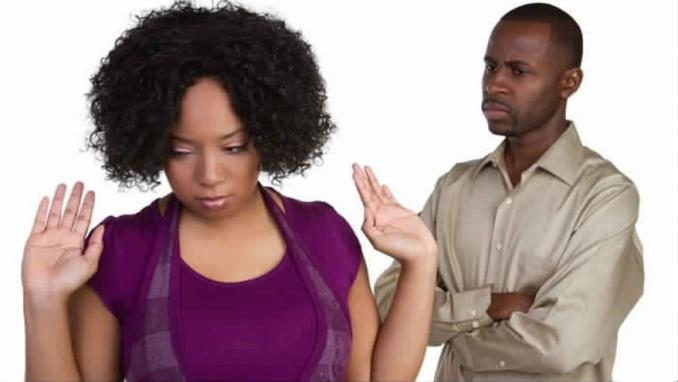 Mon ex est en colère parce que je suis sur le point de marier son oncle