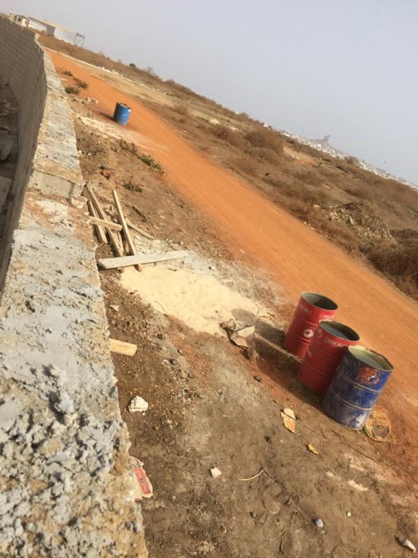 Exclusif ! Syndrome Tobago à l'autre côté de l'aéroport, vers Ngor-Virage : Le mur a été déplacé par les agents des Ads