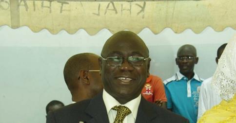 Pour avoir refusé de lui remettre le chéquier du Centre de santé, le maire de Grand Dakar licencie le médecin chef