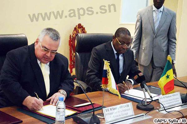 Dakar signe un accord d'exemption de visas avec Moscou