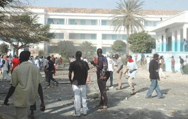Affrontements entre étudiants à l'Ucad depuis 6 heures du matin