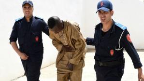 Les agents de l'immigration marocaine ont expulsé des migrants en situation irrégulière qui occupaient des appartements du quartier Al-Irfane à Tanger le 2 juillet 2015
