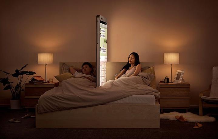 Une campagne dénonce les effets du smartphone sur nos relations avec les autres