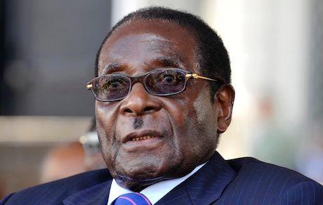 Zimbabwe : Mugabe va rendre aux Blancs leurs terres