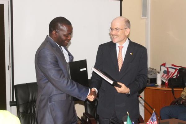 Signature de partenariat entre le Sénégal et les Etats-Unis : Alioune Sarr pour réduire le déficit commercial