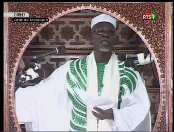 """Vidéo - Korité 2015: L'Imam de la Grande Mosquée de Dakar pousse Macky au """"wax waxeet"""""""