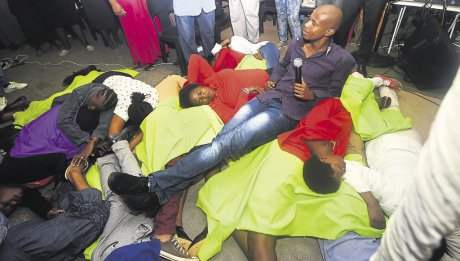 Afrique du Sud : un pasteur arrêté pour avoir fait manger des serpents à ses fidèles
