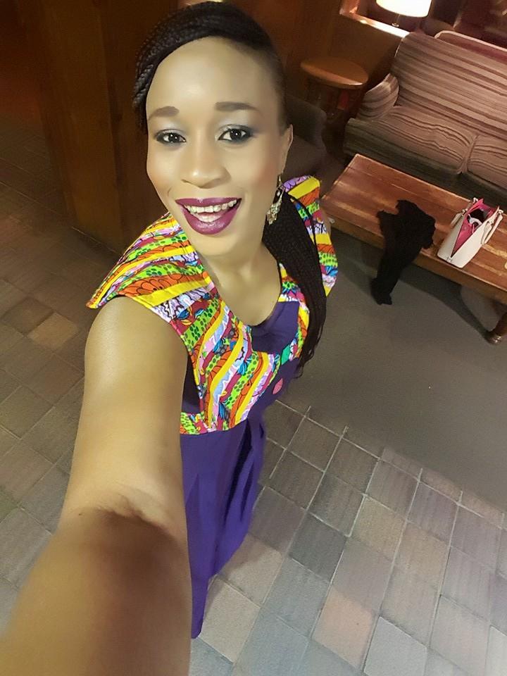 "Aida Samb en mode ""selfie"" au Festival international de la culture"