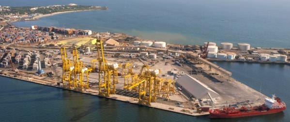 Dragage du port : Un autre navire échoue dans le chenal....