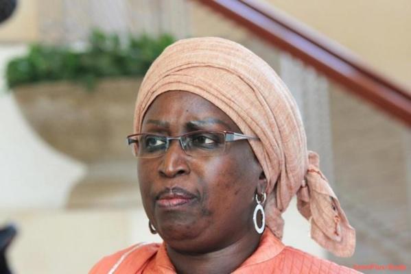 """Penda Mbow sur le débat sur l'interdiction de la burqa : """"A une provocation politique, il faut absolument une réponse politique appropriée"""""""