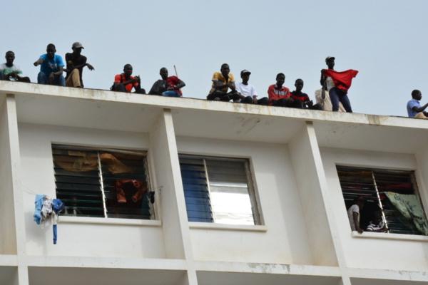 Visite mouvementée du chef de l'Etat à l'Ucad : Après les jets de pierres, place à la honte et à l'indignation