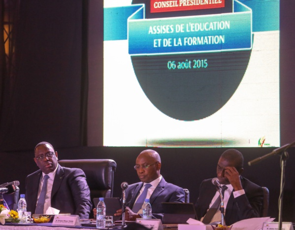 Macky Sall va octroyer 75 véhicules aux inspections d'enseignement en octobre
