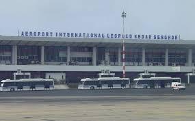 Aéroport Léopold Sédar Senghor : La piste principale toujours sous l'emprise des constructions