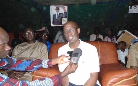 Thierno Alassane Sall en guerre contre l'éclairage public qui fonctionne le jour