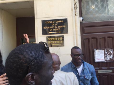 Paris : Les partisans de Karim Wade occupent le Consulat du Sénégal