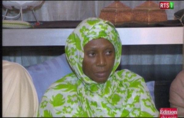 Vidéo - Condoléances : Macky Sall chez Ngoné Ndour