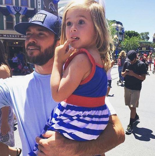 20 pères de famille sexy à Disneyland : on craque !
