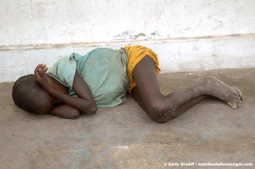 La mendicité des enfants et le manque d'aires de repos : Un frein au tourisme