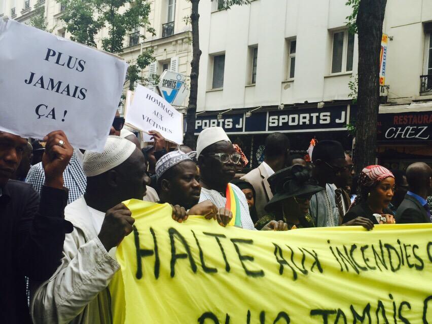En images-Grande marche de la communauté Sénégalaise de France, suite à l'incendie de la rue Myrha (Paris)