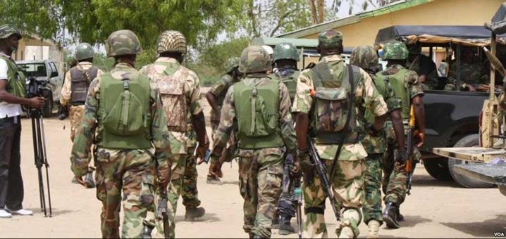 """Nigeria : """"l'armée gagne du terrain"""" contre Boko Haram (président Buhari)"""