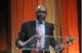 """Pierre Sané, ancien Secrétaire général d'Amnesty international aux journalistes : """"N'utilisez plus le terme droit-de-l'hommistes, mais plutôt..."""""""