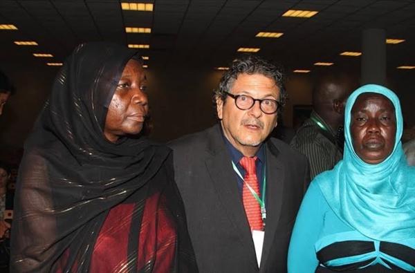 """© aDakar.com par DF  Ouverture du procès de Hissène Habré Dakar, le 20 Juillet 2015 - Le procès de l`ancien président tchadien Hissène Habré s`est ouvert, ce matin, à Dakar. L`ancien chef d`État réfugié au Sénégal depuis 1990 est jugé pour """"crimes contre l'humanité, crimes de guerre et crimes de torture""""."""
