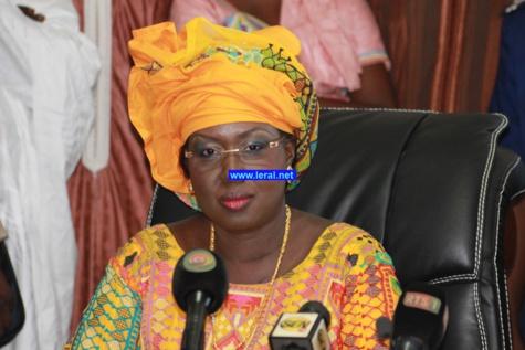 """Maimouna Ndoye Seck au Dg de l'aéroport Blaise Diagne : """"Tais toi, c'est moi qui donne la parole ici"""""""
