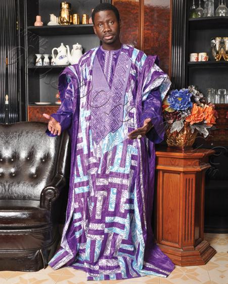 """Le chanteur des """"Vip"""" Alassane Mbaye fait son """"Hajj"""" grâce à Me Nafissatou Diop"""