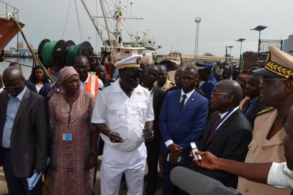 Visite du ministre de la Pêche et de l'Economie maritime au port : Quand Oumar Guèye rabroue des responsables du PAD