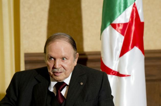 Algérie: limogeage du puissant chef des renseignements militaires