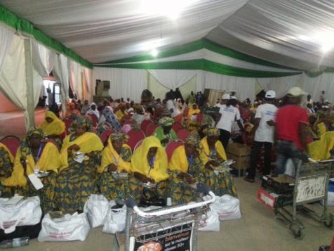 Le ministre Moustapha Diop vole au secours des pèlerins bloqués à Dakar