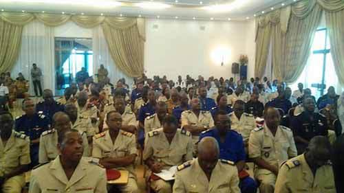Burkina Faso :  Les soldats putchistes annoncent la démission du Président Kafando et la dissolution du gouvernement