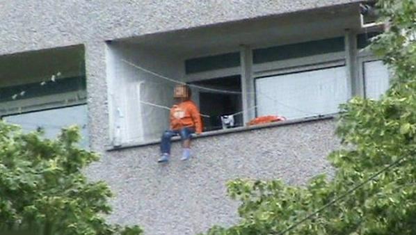 Drame à la cité Soprim : Un enfant de 2 ans tombe du deuxième étage et meurt