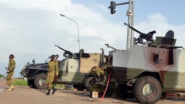 Burkina Faso: Les forces loyalistes aux portes de la capitale, les putchistes négocient pour éviter des éffusions de sang