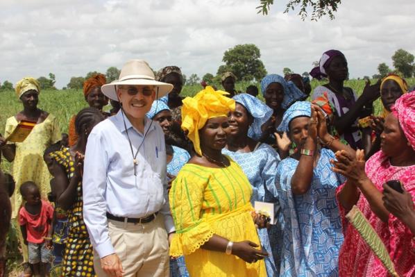 Toute l'Ambassade des Etats-Unis à Dakar vous souhaite une bonne fête de Tabaski et vous dit Dewenati