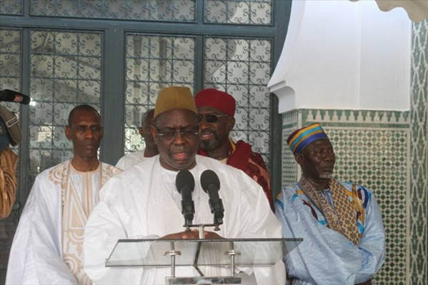 "Grande mosquée de Dakar: Macky Sall dénonce ""la pression sociale autour de la Tabaski"""