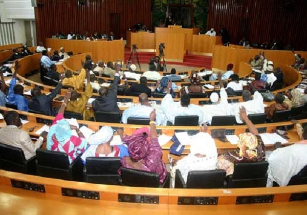 Ouverture de la session parlementaire : Examen de la loi de Finances 2016 et d'autres points au menu