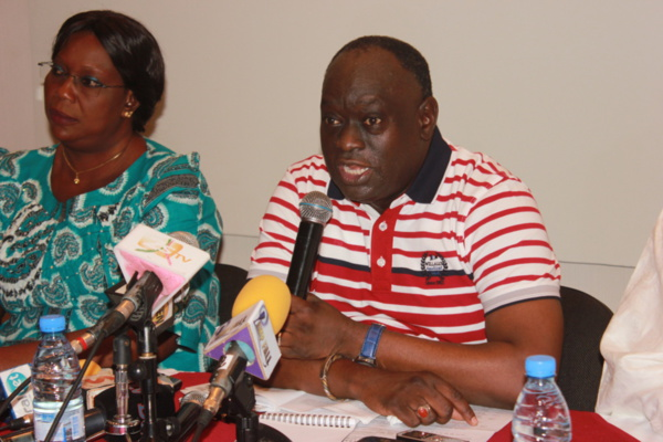 """Me El Hadj Diouf fait l'apologie de la loi Sada Ndiaye : """"C'est la meilleure loi que l'Assemblée ait jamais votée"""""""