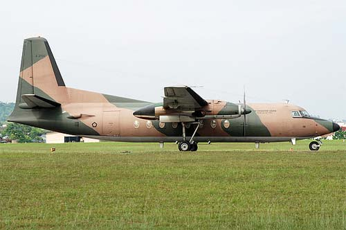 Crash évité de justesse : Un fokker 27 de l'Armée, avec 10 passagers à bord, se pose en urgence sur un terrain vague au Mali