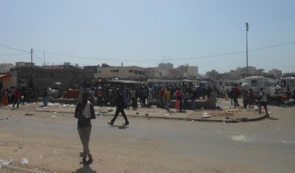 Au marché Petersen : ça a cogné fort entre marchands ambulants, agents municipaux et policiers