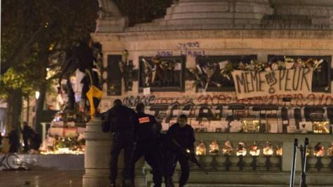 Paris: une fausse alerte crée la panique générale