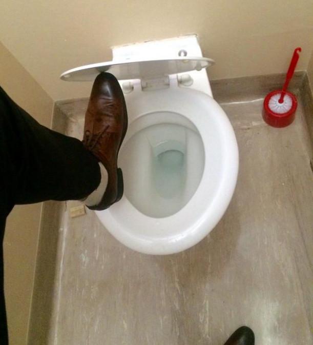 17 raisons pour lesquelles nous aurons toujours la phobie des toilettes publiques