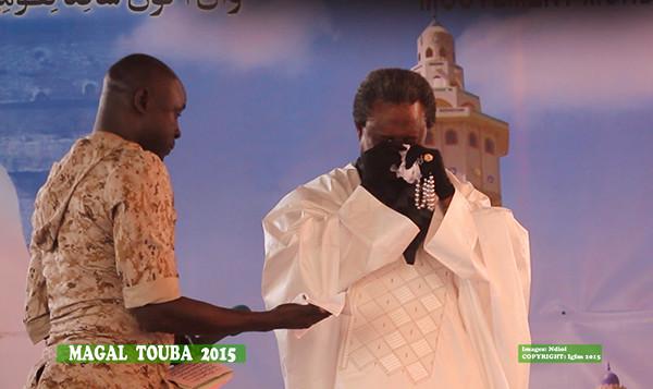Vidéo – Magal 2015- Serigne Modou Kara fond en larmes devant ses talibés