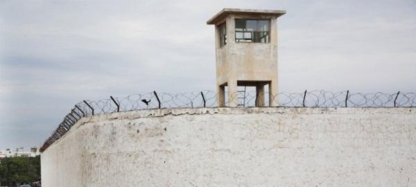"""Modou """"Jinné"""" s'est encore taillé de la prison de Rebeuss; le film de son évasion inédite"""