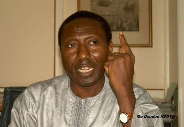 """Me Doudou Ndoye, Constitutionnaliste : """"La volonté populaire ne peut être réduite au cours de ce mandat que par le même suffrage universel"""""""