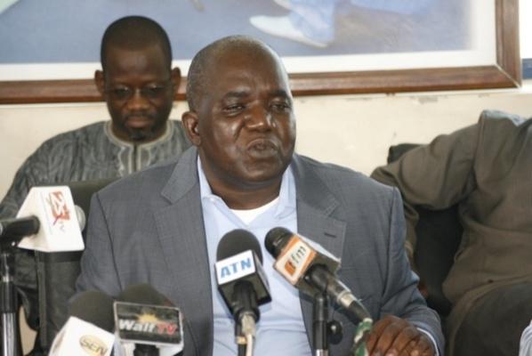 « Macky élu avec l'argent sale, l'argent de la triche, du dopage, de la drogue et de la corruption » (PDS)