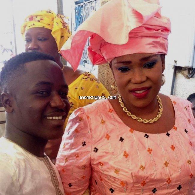 Mbaya, la femme de Becaye Mbaye, et son fils, Modou Mbaye ... Entre rires et complicité dans la famille Mbaye....