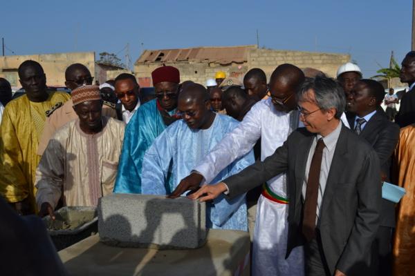Cérémonie de pose de première pierre : Un quai de pêche pour Ngaparou et Pointe Sarène