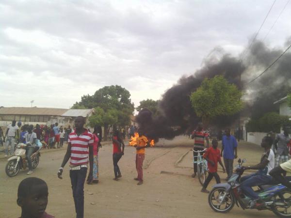 Échauffourées entre la Police et de jeunes kaolackois qui ont voulu lyncher les homos qui se mariaient la nuit du Gamou